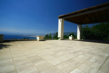 118m² maisonette at Verga with great view over the Messinian Bay