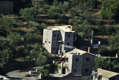 150m² ημιτελής οικία στο Φαράγγι