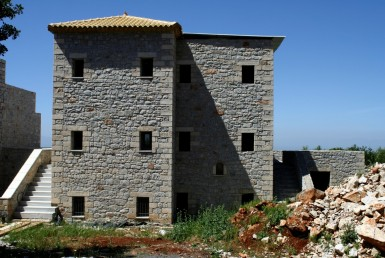 176m² unfinished maisonette at Megali Mantineia