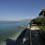 183m² old beachfront residence with a 2760m² plot