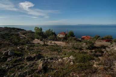 952m² plot next to Kardamyli