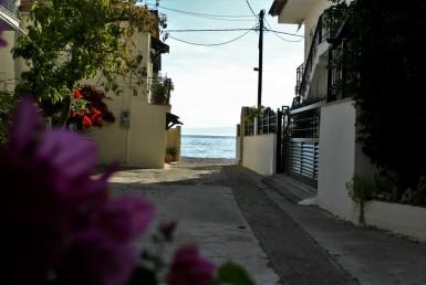 1500m² οικόπεδο 30 μέτρα από τη θάλασσα στο Ακρογιάλι