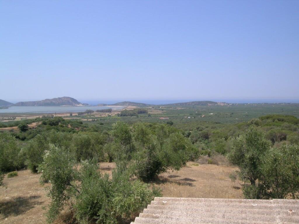 Plot of land overlooking the Navarino bay